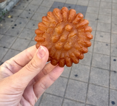 I love these little yakgwas! They are slightly sweet and so delicious!