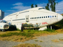 Standing in front of the 747